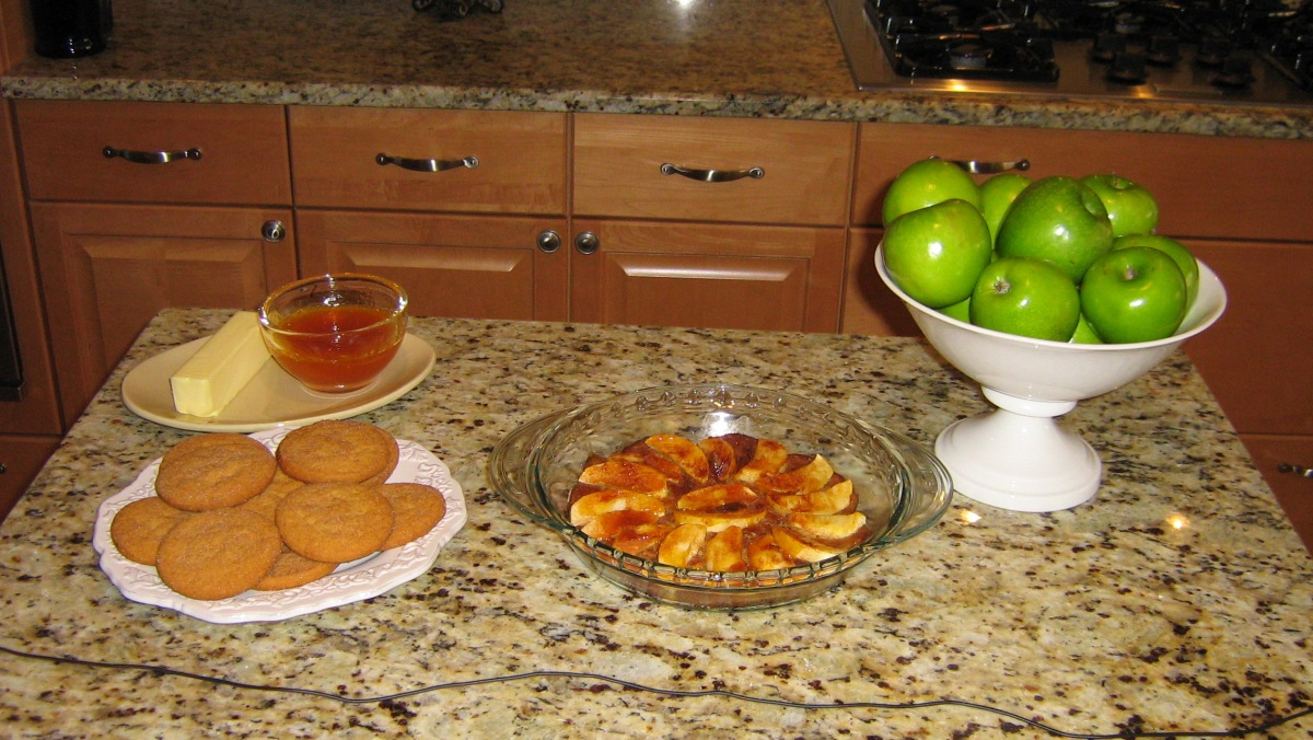 apple tart and ingredients