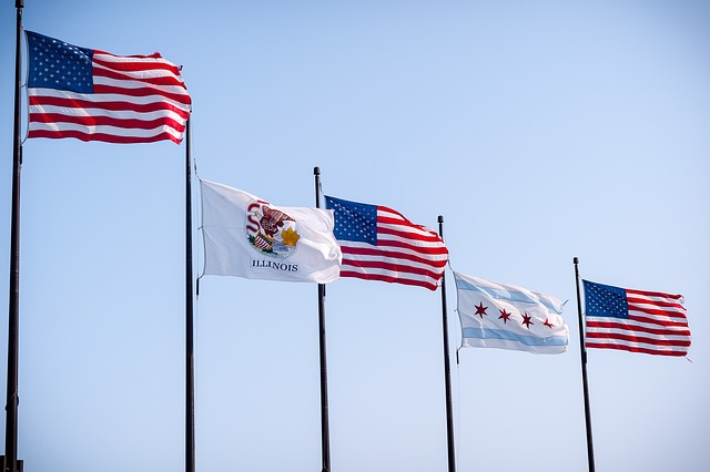 flags of US and IL