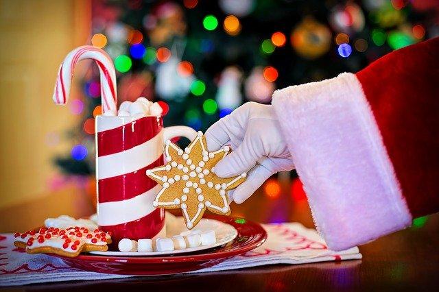 christmas cookies cocoa