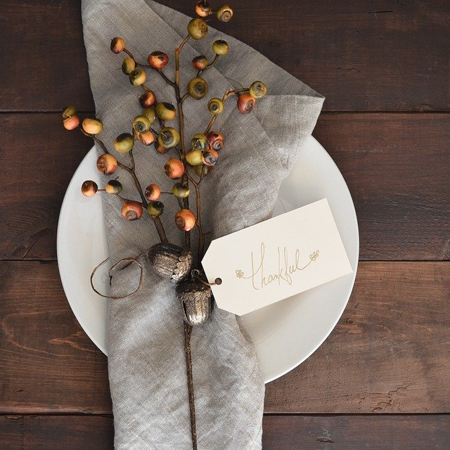 thanksgiving place setting honor the harvest